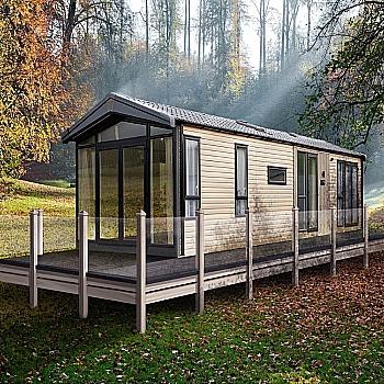 2022 Victory Lakewood Lodge